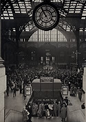 Christmas Crowds at Penn Station